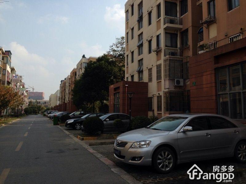 浦江世博家园四街坊