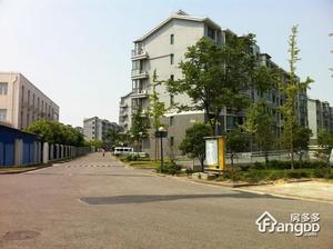 云锦新苑小区图片