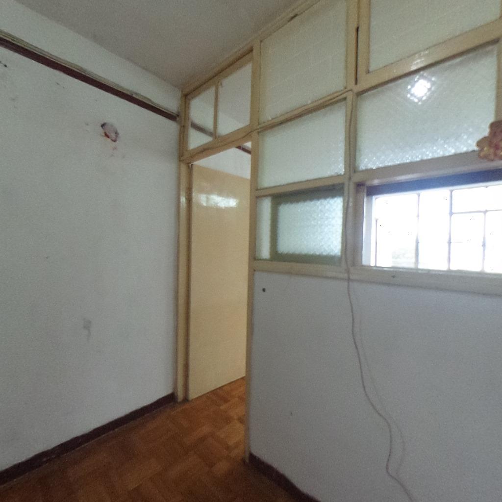 地铁口小区居家装修一房一厅拎包入住全明户型